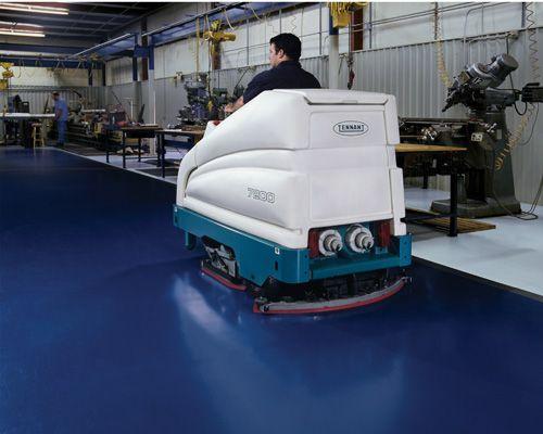 #lavapavimenti Tennant 7200 en fábrica de componentes, consiguiendo un suelo de espejo...