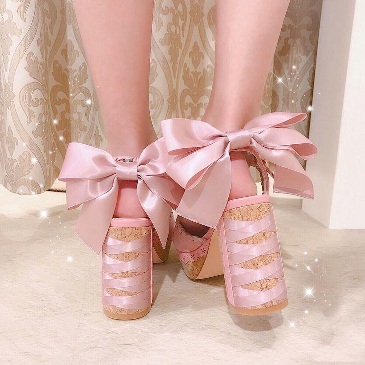 .  New Arrival  . ステッチリボンサンダル . ( 181-9605-0 ) 8900tax . size  M / L . 06-6377-1177   #lizlisa #lizgram #lizlisajapan #umeda #osaka #instagood #kawaii #cute #shoes #sandals #jfashion #japanesefashion #spring #ribbon #リズリサ #リズリサ梅田 #梅田opa #かわいい #新作商品 #サンダル #コルクヒール #コルクヒールサンダル #リボンサンダル #チャンキーヒール #ステッチ #春シューズ #リボン #ピンク #いいね .