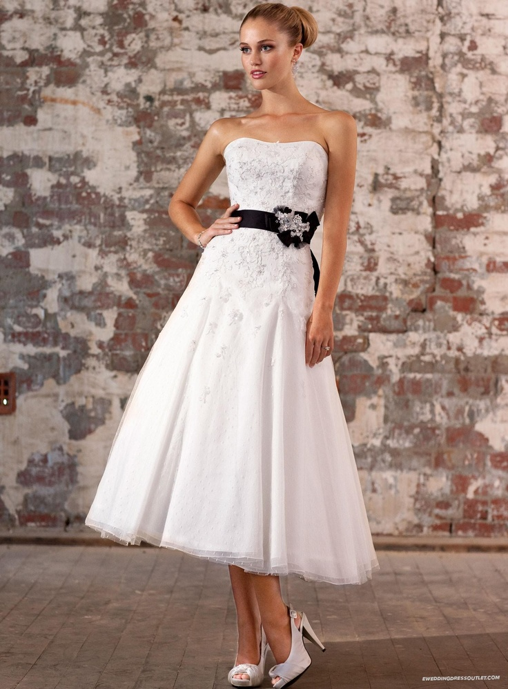 75 best swiss lace images on pinterest dots ivory and for Dotted swiss wedding dress