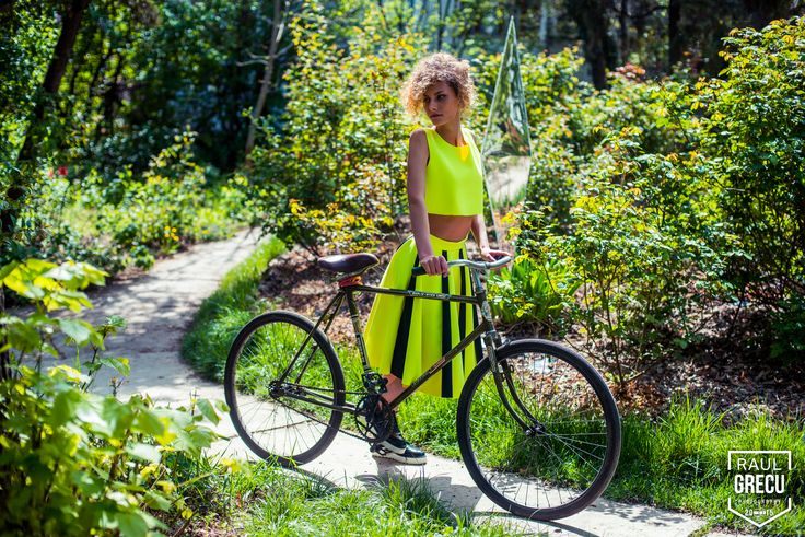 www.facebook.com/hihirifashion  Beautiful neon green outfit from Hihiri! #hihiri #fashion #garden #green #neon fashion #scubafashion #neoprene #girl #young #beautiful #style #outfit #spring #summer #skirt #top #shopping #greenskirt #greentop #streetstyle #clothing #edgy