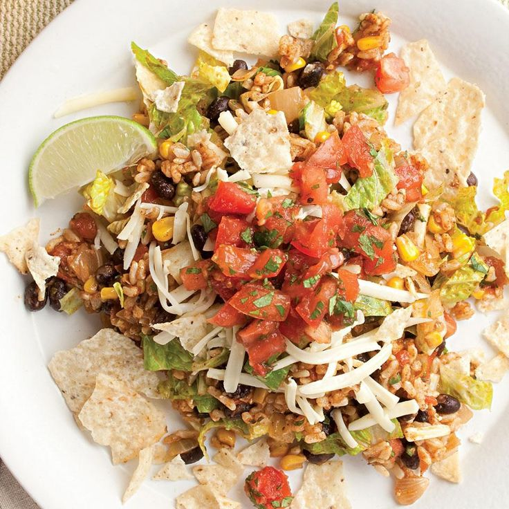 No one will even miss the meat in this colorful, zesty vegetarian taco salad. #DinnerTonight #30Days30Dinners