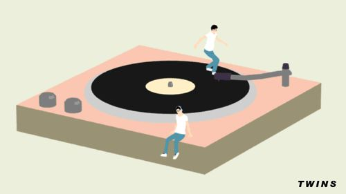 twins #turntable (although if i watch it much longer, i may get queasy...  )
