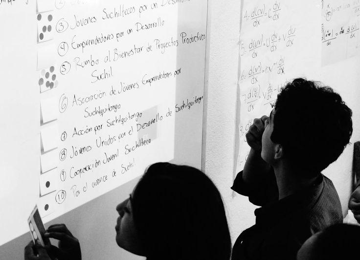 Votando por el mejor nombre para la cooperativa. #Emprendedores #OaxacaEmprende