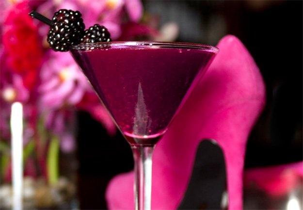"The ""Stiletto"" Blackberry Martini Recipe, only 99 calories"