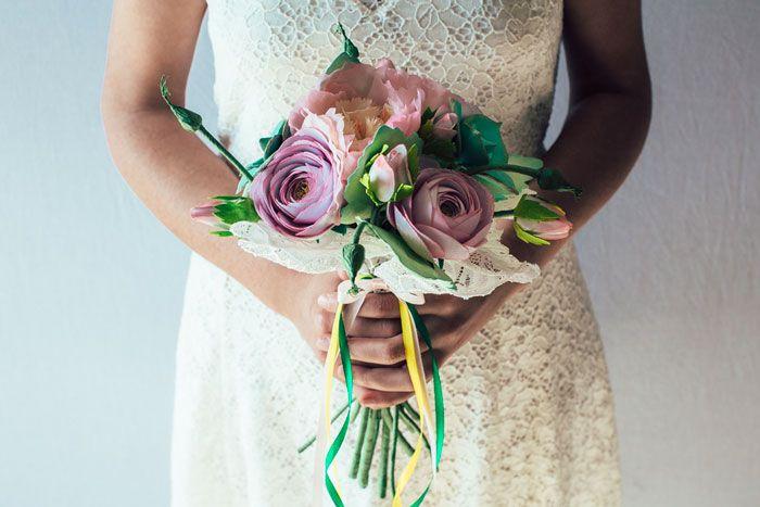 Tra i fiori più venerati, definita la rosa senza spine, la peonia è simbolo delle storie d'amore romantiche... Buona lettura.  #bouquetpeonie #peonie #unusualbouquet #bouquetalternativi #bouquetsposa