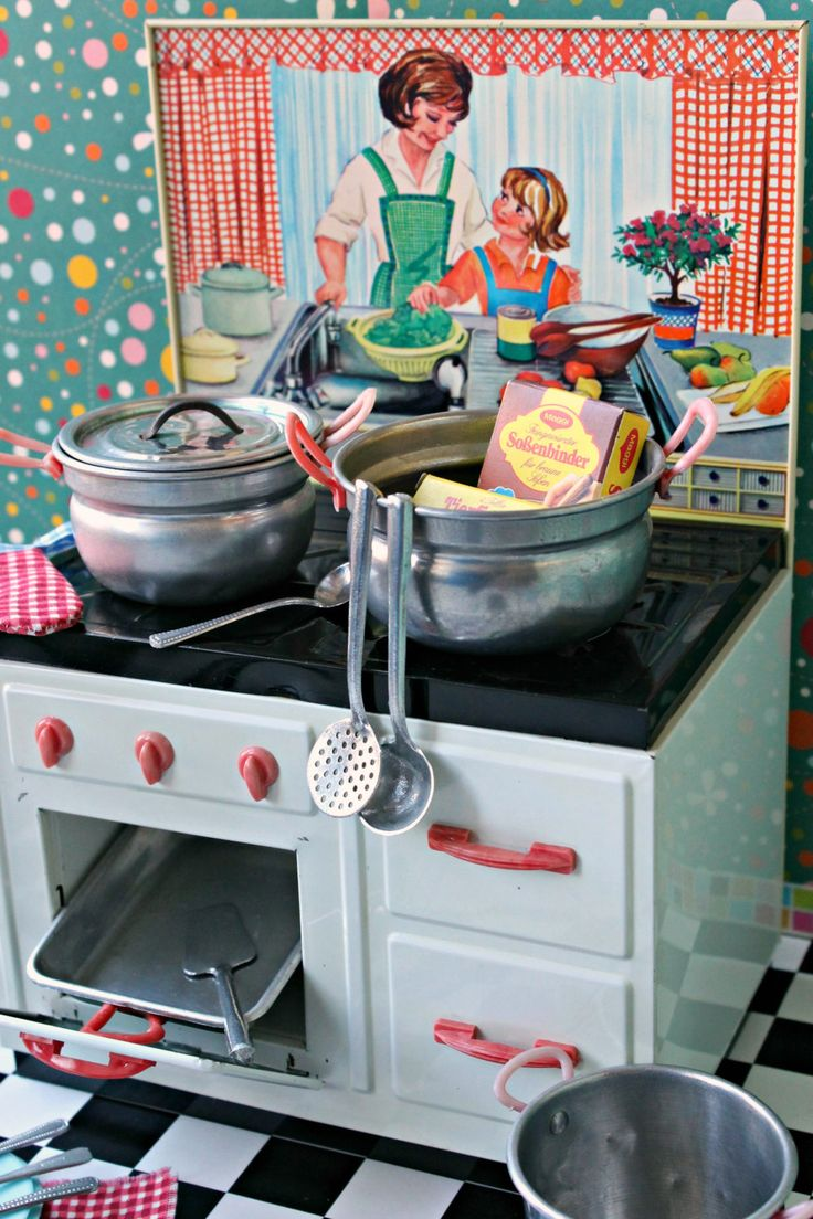 125 best vintage play kitchen 1950s images on Pinterest   Old ...