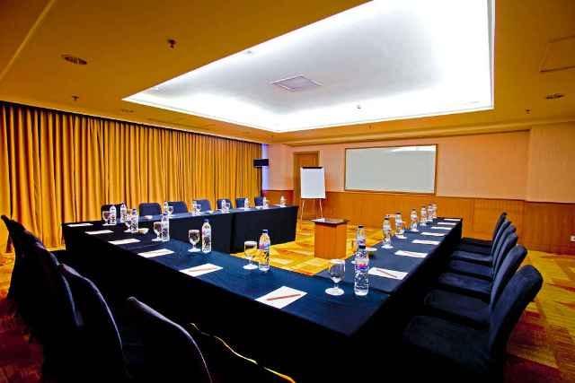 Hotel Aryaduta Makassar - Masamba 3  Capacity: 24 - 55 persons  Dimensions: 7.4 x 7.8 x 2.5 m  Located: Mezzanine Floor