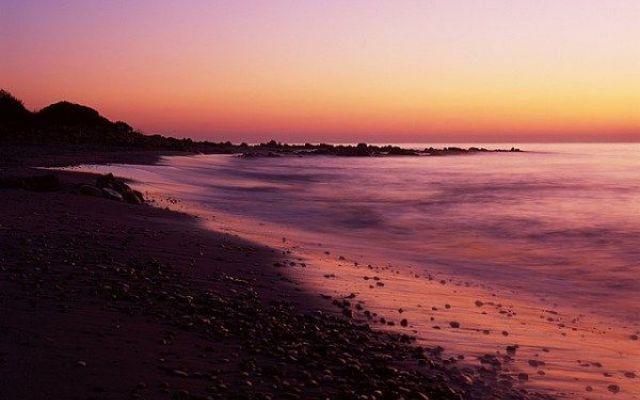 UNA SOLA ITALIANA FRA LE 10 SPIAGGE PIÙ COLORATE AL MONDO: ECCO DI QUALE SPIAGGIA SI TRATTA Spiagge colorate come un vero e proprio arcobaleno! Sparse per tutto il mondo e scelte dal celebre portale di viaggi Skyscanner, in un articolo che raccoglie le 10 spiagge più colorate del mondo. Fra #italia #spiagge #mare #news #vacanze