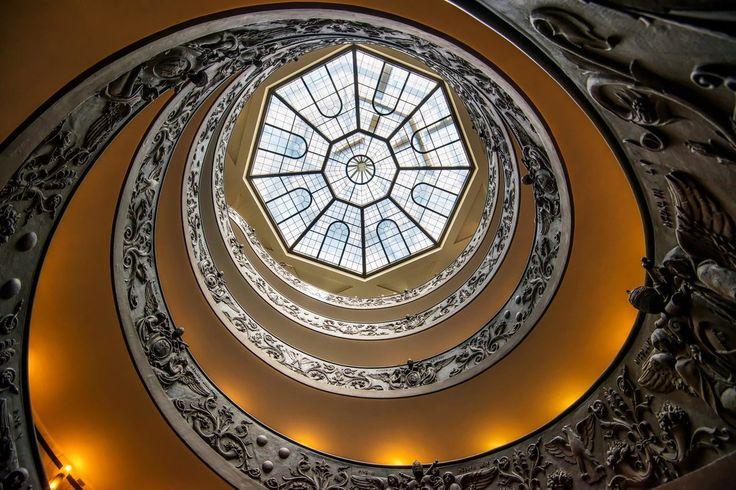 世界で最も美しい階段25選 イタリア、バチカン市国