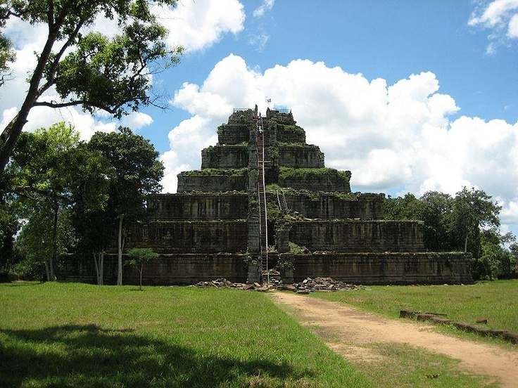 Koh Ker is an Angkorian site in northern Cambodia. 100 km northeast of Angkor itself, it was briefly the capital of the Khmer empire between 928 and 944AD under king Jayavarman IV and his son Hasavarman II