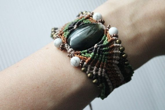 Handmade unique macrame cuff with mexican obsidiana by SuryaSoul