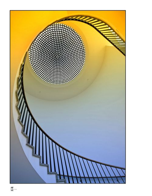 Staircase at Museum Köln, Germany - Photo by wolffslicht - https://www.flickr.com/photos/55025887@N05/5372943292/in/pool-40509677@N00