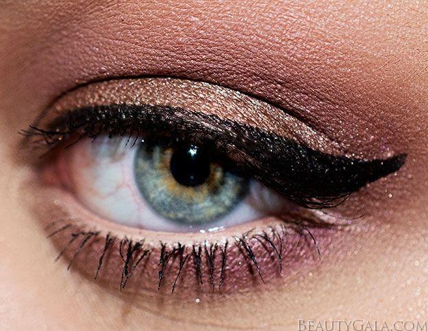 MAC Burgundy Times Nine Eyeshadow Palette Makeup Look