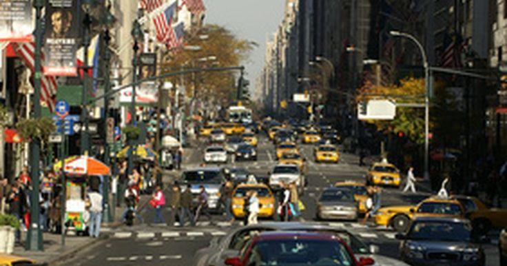 Escuelas de Artes Escénicas en Nueva York. Nueva York alberga muchas escuelas de artes escénicas diferentes, sobre todo en la ciudad de Nueva York, uno de los principales centros del país para las artes escénicas. Varias universidades de renombre en la ciudad de Nueva York ofrecen programas de estudio en las artes escénicas, incluyendo la Escuela Juilliard y la Escuela de Artes Tisch de la ...