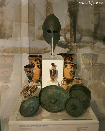 Warrior's bronze helmet (ca. 500 BC) found at the necropolis of #Hermione in #Argolida. Exhibited in the Archaeological Museum of #Nafplio, #Peloponnese - #Greece