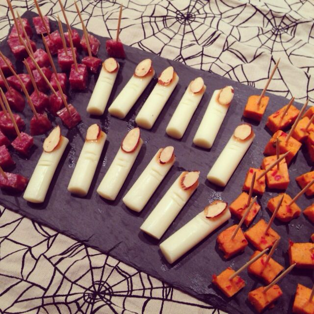 Easy Halloween appetizers: zombie meat, witch fingers and bloody pumpkin