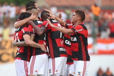 Flamengo faz testes nesta sexta mas tendência é rodar elenco no Carioca