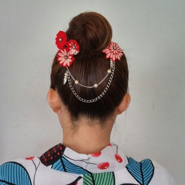 情熱の赤い髪飾り つまみ細工