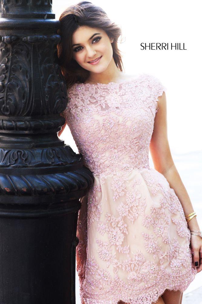 Vestido rosa viejo corto, bordado en piedras de Sherri Hill
