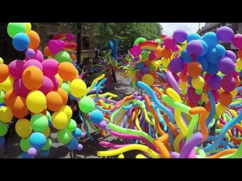 Balloons by Tommy in the 2016 Chicago Pride Parade - YouTube