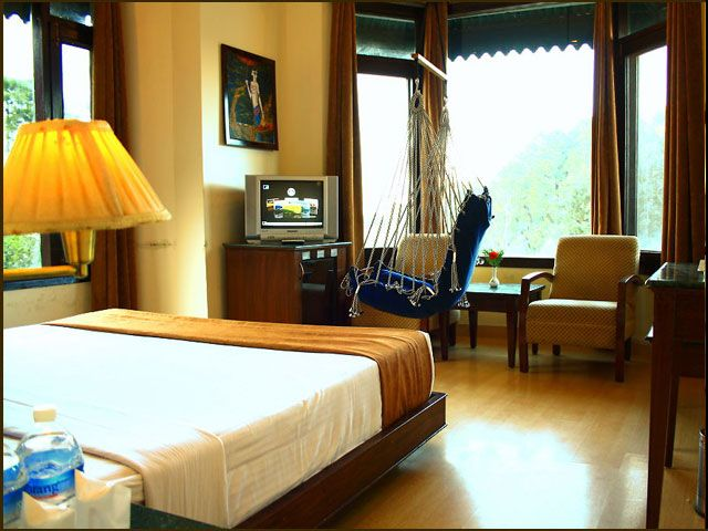 An insight into my experience with staying in Kasauli hotels