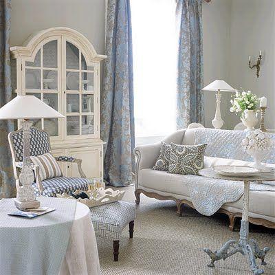 Shabby Chic Interiors: Salotto chic-----  Classic in powder blue