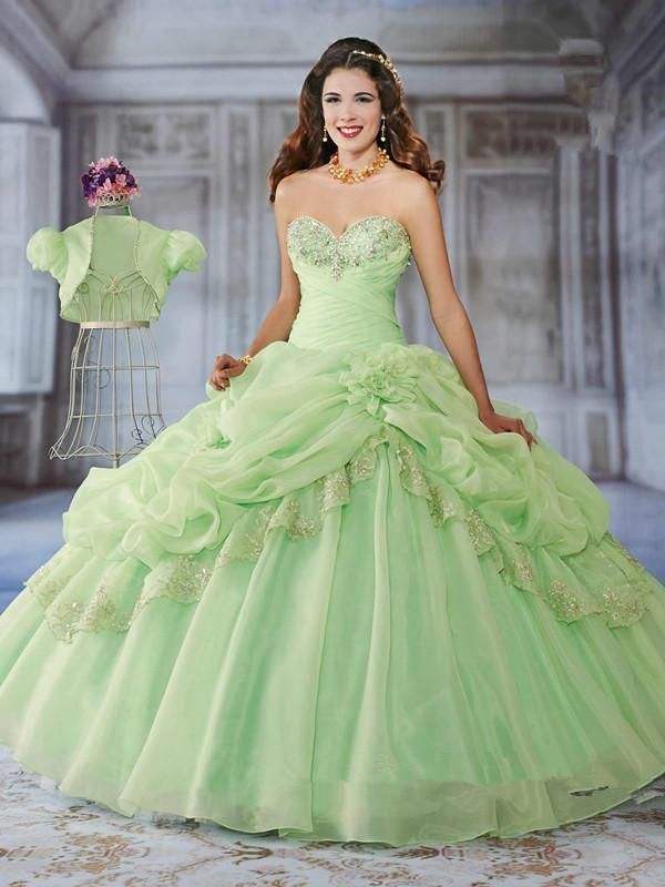 High Quality Taffeta Wedding Dress Royal Blue Quinceanera Dresses Halter Design Ruched Appliques Ball Gown Cl3108 Dama Dresses For Quinceanera Dresses For 2015 From Ebelz002, $167.84| Dhgate.Com