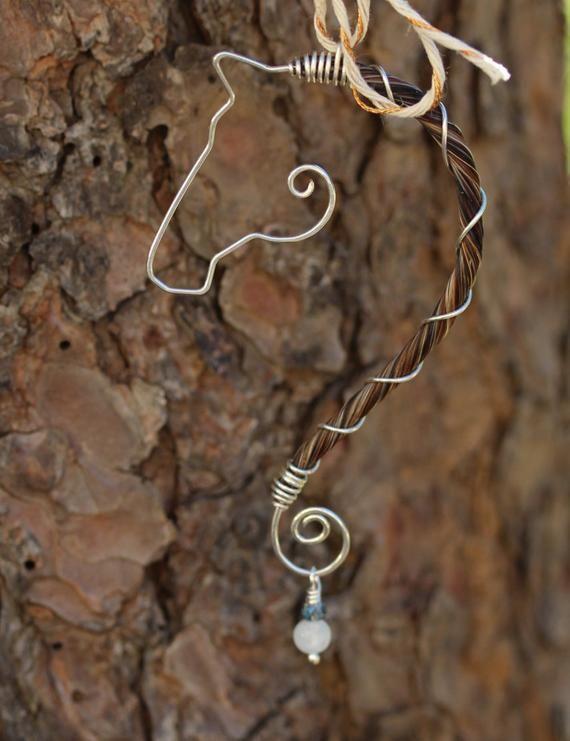 Handgefertigte Halskette aus Sterlingsilber. Diese…
