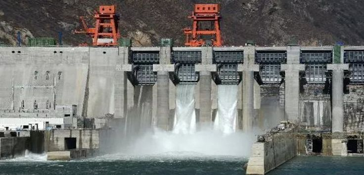 La energía hidroeléctrica de España - https://www.renovablesverdes.com/las-mayores-centrales-hidroelectricas-espana/
