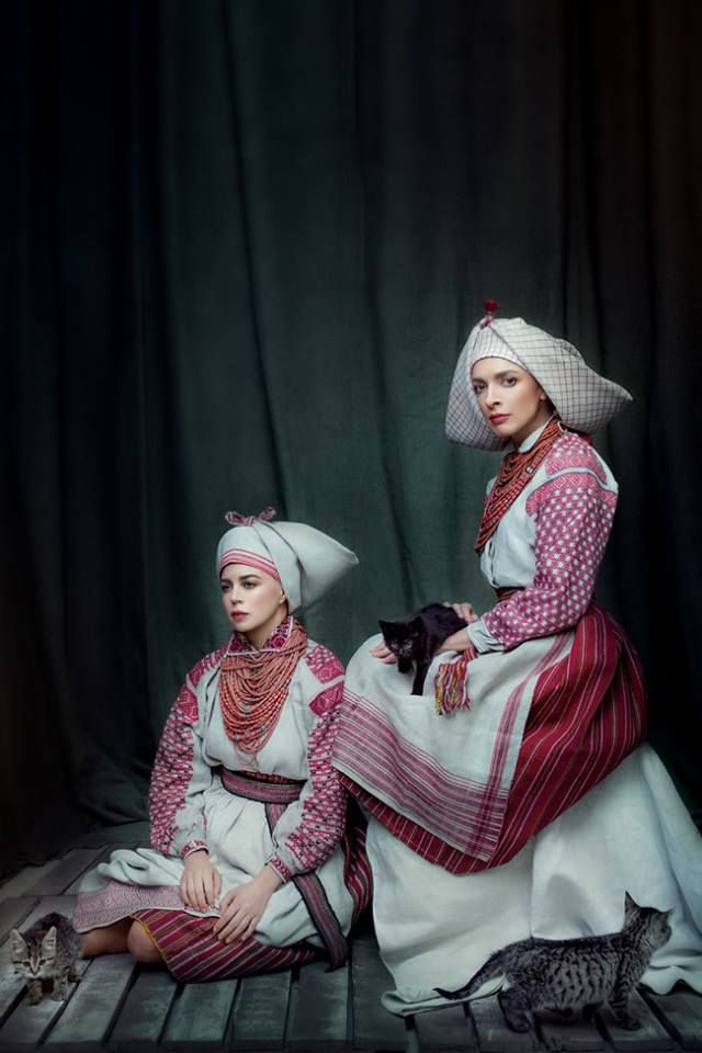 """Sincere"" project, Women of the Old Polesie (Volyn region), XIX c. Folk dress of this region has not changed for centuries. Dressed: Nata Zhyzhchenko (singer) and Vasilisa Frolova (TV presenter)"