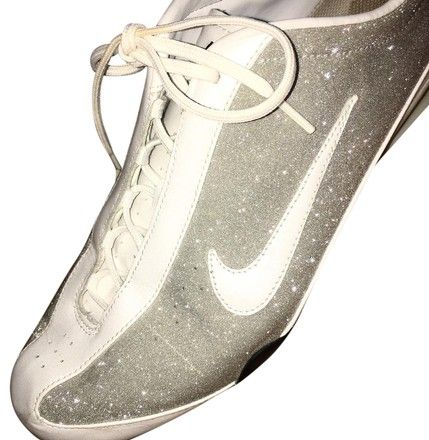 Shox Rival 312563 013 Silver Sparkle Athletic Shoes available on Tradesy  #SparkleNikes #sparkle #sparklynike #sparklynikes #silvernikes #silvernike #sparkleshoes #glittershoes  #silver #glitternike #nikeshox #tradesy #nike #whitenike #sneakers #silversneakers #fashion #shoes #spain #nikespain