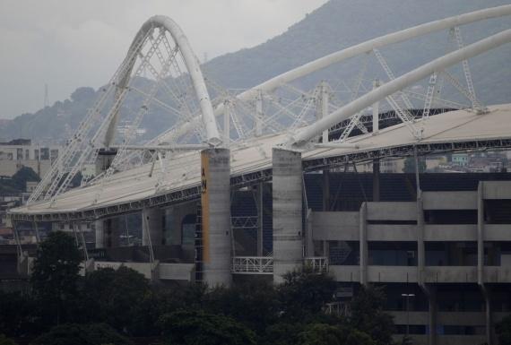 O Estádio Olímpico João Havelange, também conhecido por Engenhão, foi interditado por risco de queda da sua cobertura.
