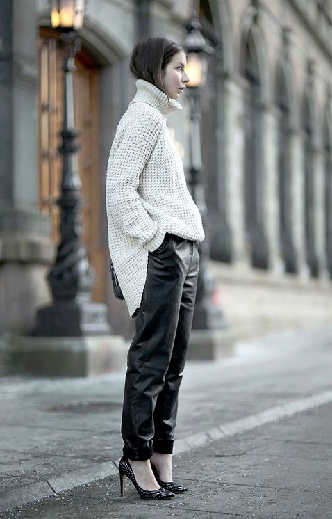 LE CATCH: the leather sweatpant