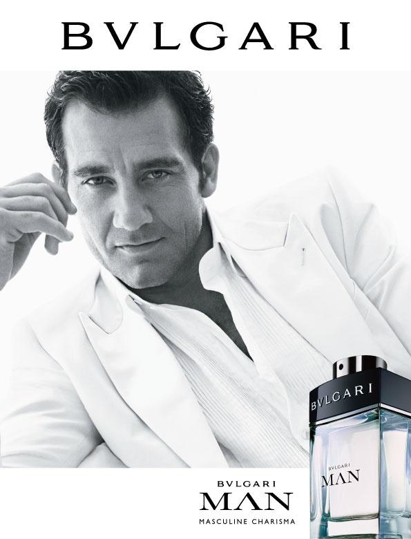 A grande sacada da essência assinada pelo perfumista Alberto Morillas é a criação de um perfume floral e fresco para homens.  A inspiração veio do universo glamoroso dos romances do escritor F. Scott Fitzgerald e o garoto-propaganda do Bvlgari Man é o ator que exala masculinidade Clive Owen.   O visual dele, todo de branco e super elegante no vídeo do perfume, é inspirador. Uma boa notícia é que ele é um daqueles perfumes masculinos que as mulheres também adorarão usar.  www.aromasnet.com.br