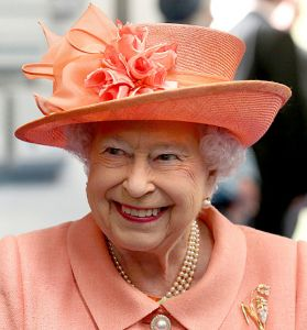 Queen Elizabeth paid a visit to the new Highland Spring water bottling factory in Blackford, Perthshire, today. For the visit, she repeated a hat many of us have been eagerly anticipating seeing ag…