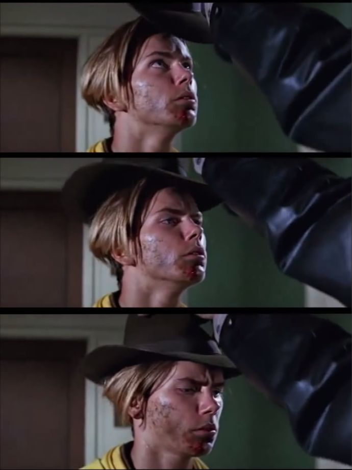 a Great moment River Phoenix Indiana Jones *humming that epic indiana Jones music*