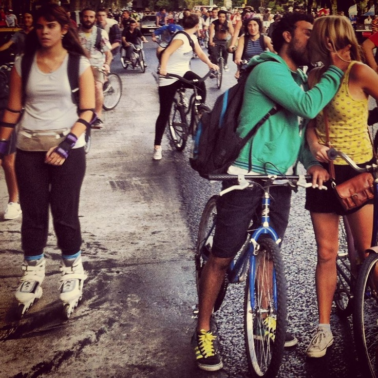 Amor sobre ruedas,  Masa Critica Buenos Aires