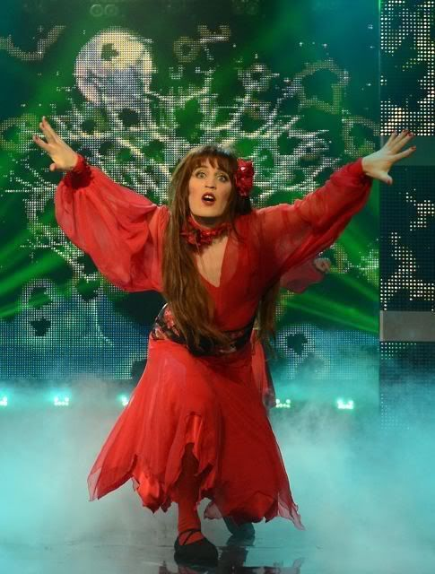 Noel Fielding's sensational repeat performance of Wuthering Heights on Let's Dance For Comic Relief failed to win the competition, despite the help of his very own Heathcliffe… Mr Julian Barratt!