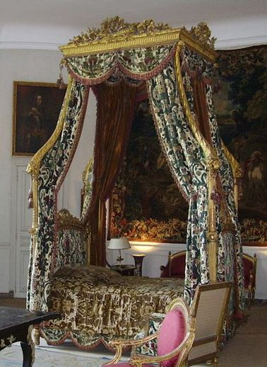 17 Best Images About Antique Bedroom Furniture Beds On Pinterest Louis Xvi Antiques And
