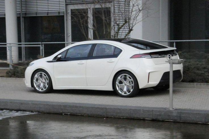 #hybrid #hybridcar #cars #motors #opel #opelampera #ampera #opelitalia #italia www.romeoauto.it