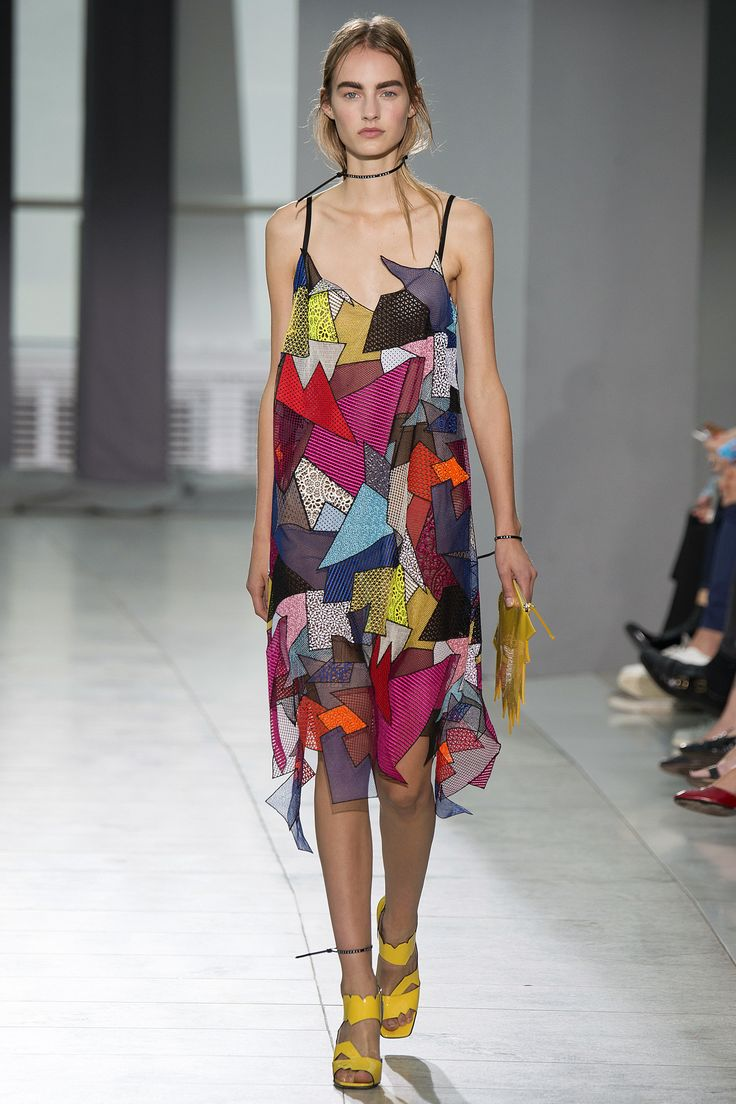 Christopher Kane Spring 2016 Ready-to-Wear Fashion Show