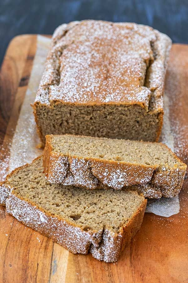This gluten-free chai spiced banana bread recipe is made with a blend of spices such as cinnamon, nutmeg, cardamom & fresh ginger, and no sugar added! Banana Bread Brownies, Banana Bundt Cake, Chocolate Chip Banana Bread, Gluten Free Banana Bread, Make Banana Bread, Banana Bread Recipes, Cake Recipes, Sweet Breakfast, Breakfast Cake