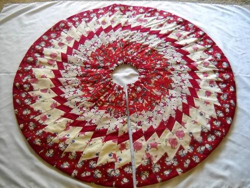 Beautiful Whimsical Quilted Christmas Tree Skirt Handmade New