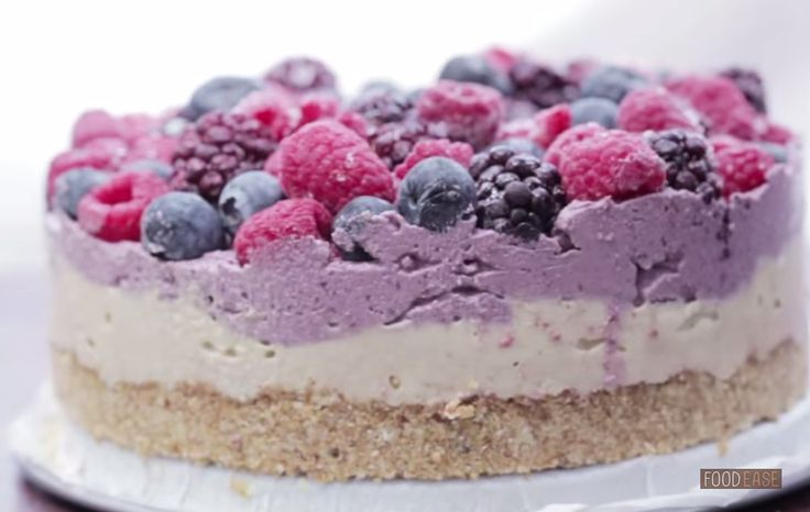 Delicious, easy to make raw vegan desserts. We have brought together the 3 most popular raw vegan desserts for you to enjoy. Healthy, Raw, Delicious!