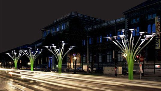 The Solar Tree: Ross Lovegrove, who most recently caught our eye with his System X modular lighting, has made his name by merging cutting edge technology with great design to produce everything from furniture to lighting. As part of the MAKDesignNite at the MAK museum in Vienna, the artist and his studio have conceived a modular urban lighting system which is powered by the sun. http://www.rosslovegrove.com/
