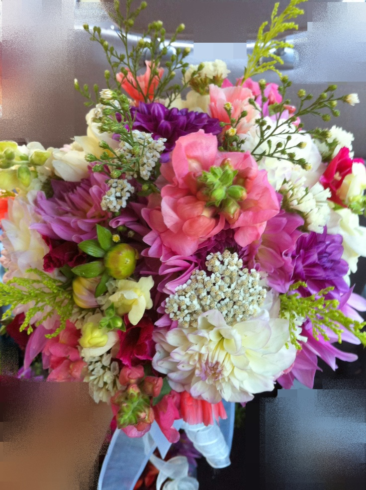 275 best wedding flowers for fall images on pinterest for Simple fall bridesmaid bouquets