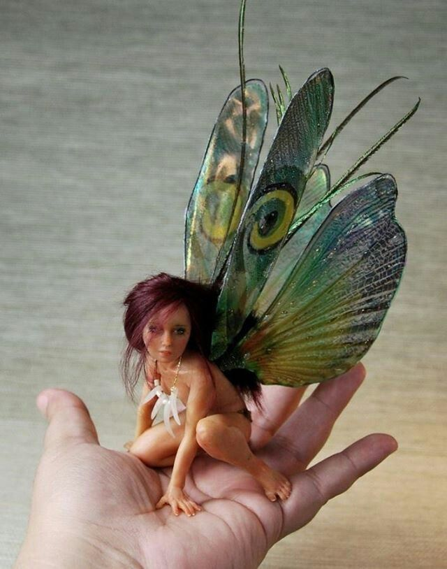 A fairy in the hand ..... faerie