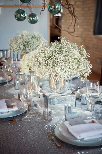 Winter wedding silver blue shimmering table inspiration