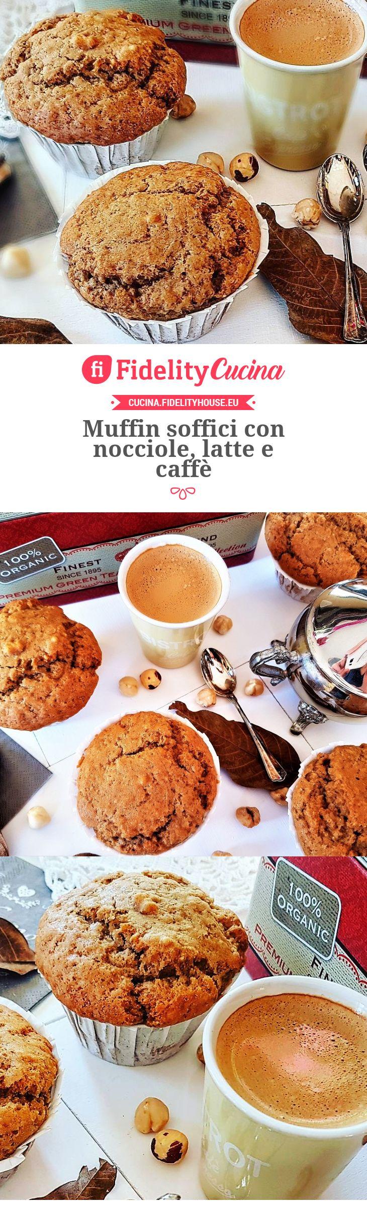 Muffin soffici con nocciole, latte e caffè