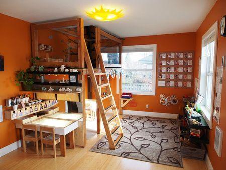 Loft bed untuk kamar bermain anak